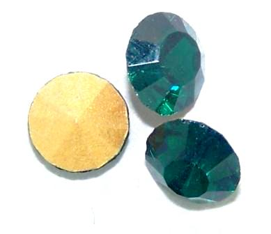 Chaton Faceted Gold Foiled SS-27 5.8 to 6.0 mm Emerald 20 pcs