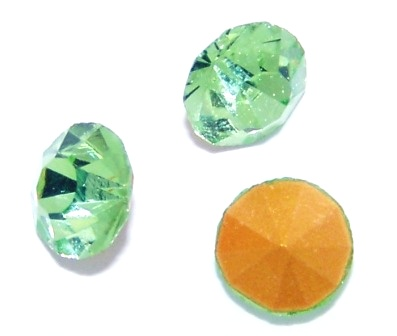 Chaton Faceted Gold Foiled SS-27 5.8 to 6.0 mm Peridot 20 pcs